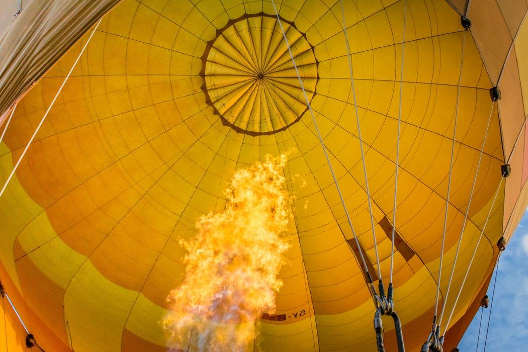 hot air balloons to showcase team management